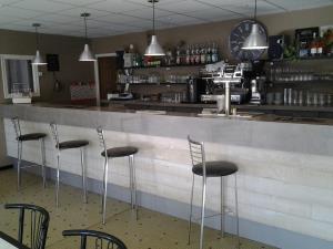 Idéal pour démarrer ! Bar - Restaurant ouvrier, hôtel - Restaurant