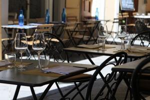 RESTAURANT RESTAURANT À THÈME CAVISTE - Restaurant